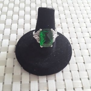 Sterling Silver Large Emerald Green Stone